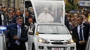 教皇方濟各抵達波蘭參加世界青年大會2016年7月27日克拉科夫