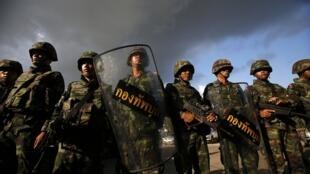 Des militaires thaïlandais, à Bangkok, où l'armée a annoncé avoir pris le pouvoir, ce jeudi 22 mai.