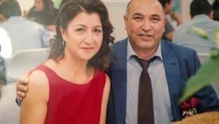 Gulbahar Haitiwaji (à gauche) et Kerim Haitiwaji (à droite) lors du mariage de leur fille Gulhumar. Gulbahar Haitiwaji a disparu lors d'un voyage au Xinjiang en novembre 2016.
