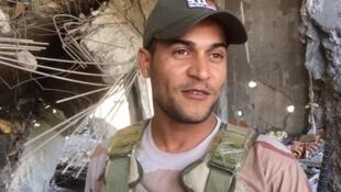 """""""Estamos planeando liberar el hospital, que está tan sólo a 200 metros"""", explica un militar iraquí en Mosul."""