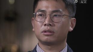自称曾是中国间谍的王立强接受澳洲《60分钟》节目采访资料图片