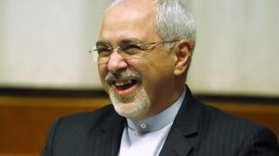 Глава МИД Ирана Мохаммед Джавад Зариф на переговорах в Женеве 20/11/2013