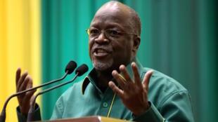 Mwenyekiti mpya wa chama tawala nchini Tanzania, CCM na Rais wa Tanzania, John Pombe Magufuli.