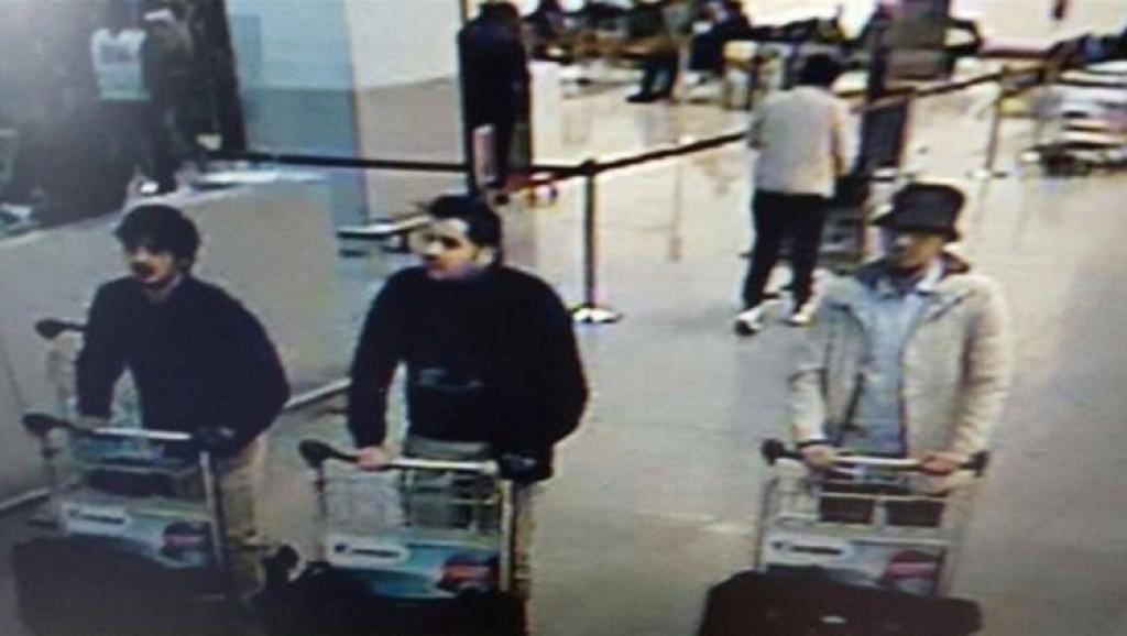 Terroristas antes dos atentados, no aeroporto de Bruxelas.