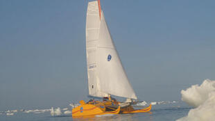 Sébastien Roubinet and Vincent Berthet in their catamaran 'Baboushka'