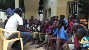 Les enfants talibés recueillis au centre Ginddi, à Dakar.