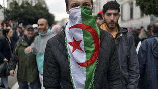 Des Algériens défilent lors d'une précédente manifestation contre le pouvoir dans la capitale. (image d'illustration)