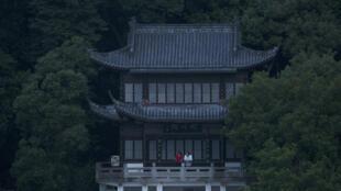 作为戛纳电影节影评人周闭幕片的中国导演顾晓钢的影片《春江水暖》画面。