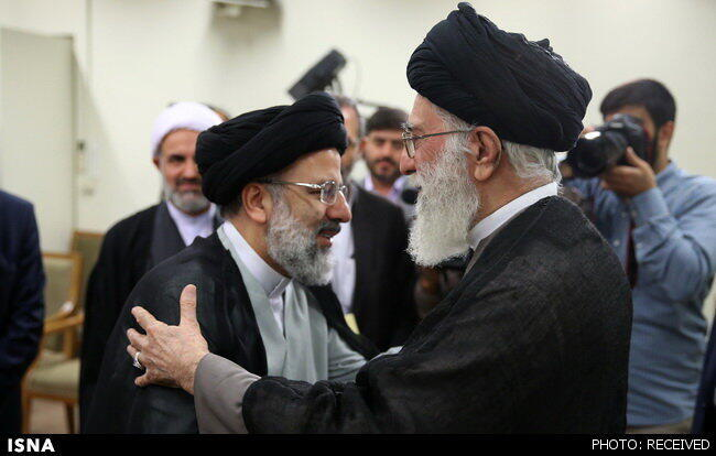 ابراهیم رییسی، در اسفند ۱۳۹۴ با حکم رهبر جمهوری اسلامی ایران به تولیت آستان قدس رضوی منصوب شد.