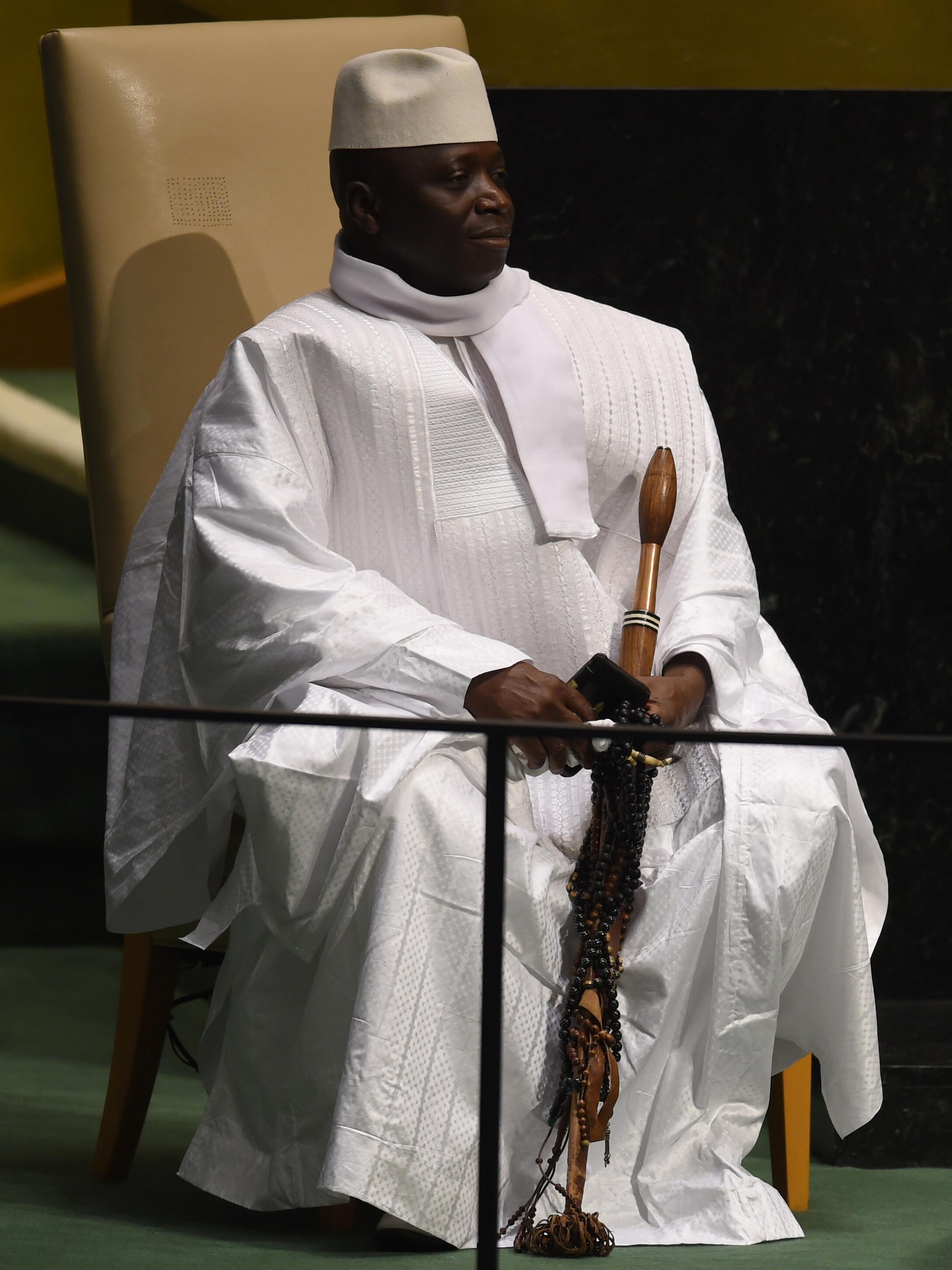 Le président gambien Yahya Jammeh, tout vêtu de blanc et son éternel calot sur la tête, à l'Assemblée générale de l'ONU, le 25 septembre 2014.