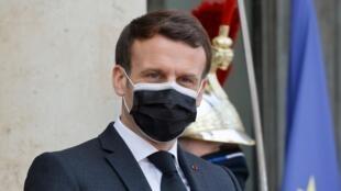 El presidente francés, Emmanuel Macron, en el palacio presidencial del Elíseo en París, el 12 de febrero de 2021