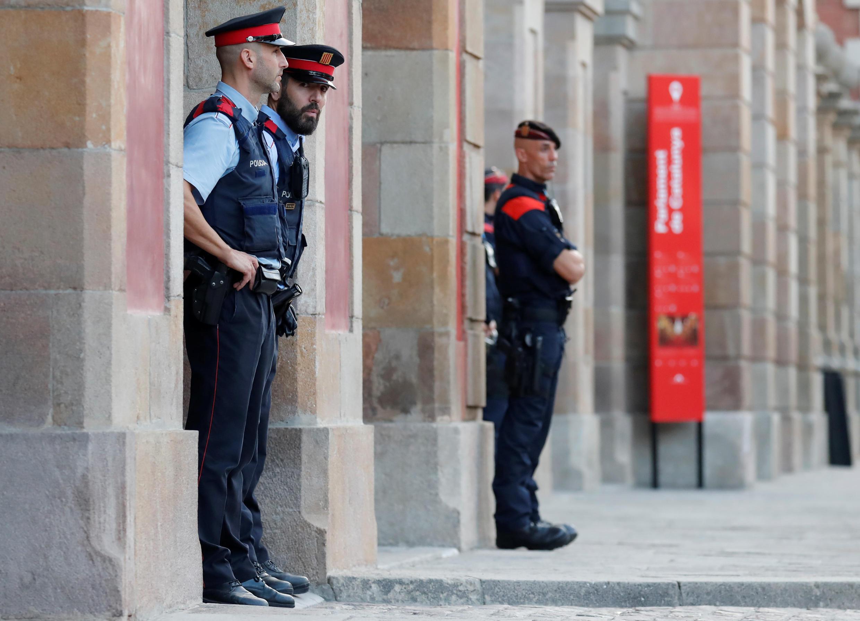 Cảnh sát canh gác trước nghị viện Catalunya. Ảnh tại Barcelona ngày 10/10/2017.