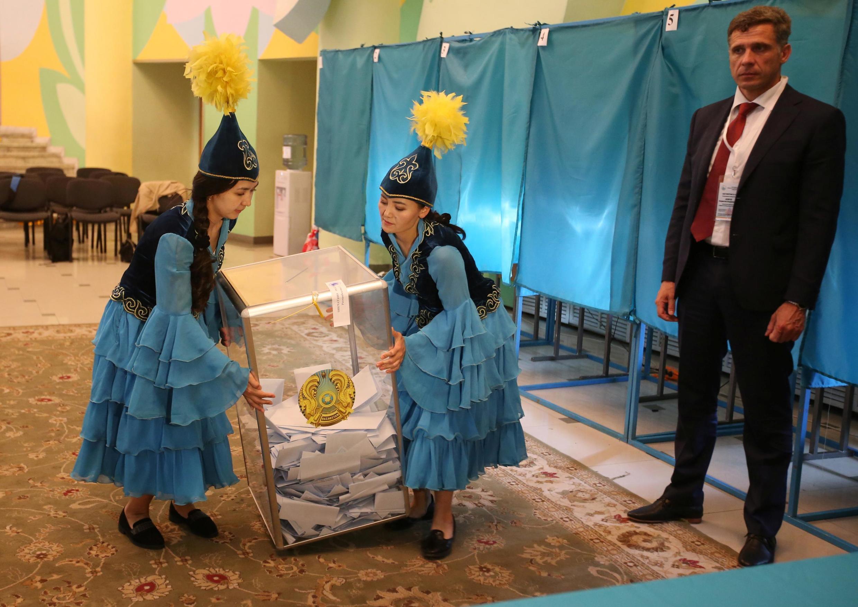 Перед подсчетом голосов на участке в Алматы 9 июня 2019