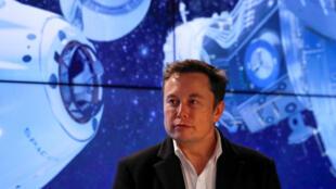 Илон Маск в космическом центре Кеннеди