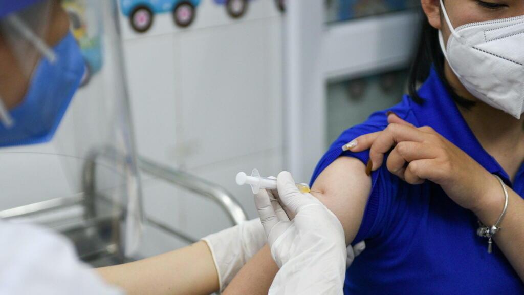 Việt Nam : Sài Gòn tập trung cứu bệnh nhân Covid nặng, đẩy nhanh tiêm chủng