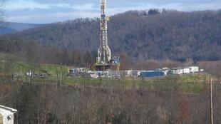 Plataforma de perfuração de gás de xisto em Marcellus, na Pennsylvania, Estados Unidos