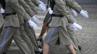 Les élèves de Ecole Nationale des Sous-officiers d'Active, place de la Concorde, ce 14 juillet 2016.