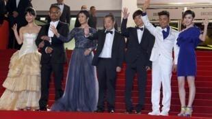 贾樟柯携《天注定》剧组在法国嘎纳电影节亮相