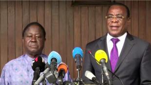Les principaux leaders de l'opposition ivoirienne, Henri Konan Bédié du PDCI (G) et Pascal Affi N'Guessan du FPI (D) appellent leurs sympathisants au boycott du processus életoral, tant que le dialogue n'est pas entamé avec le pouvoir.