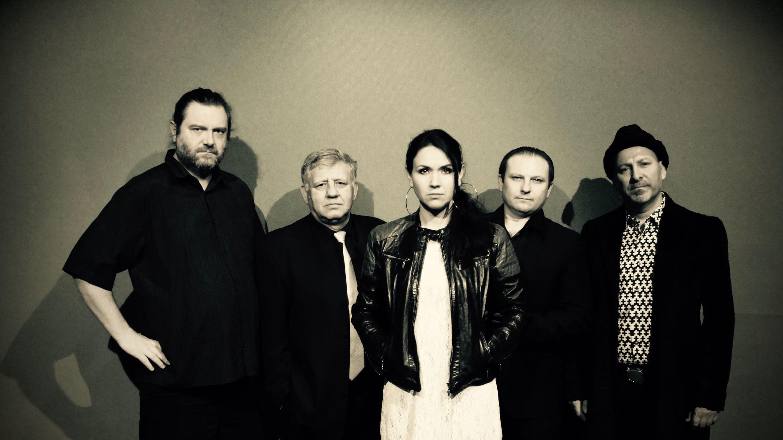 DJ Click (à droite) et son groupe franco-roumain-moldave.