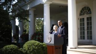 Obama e Hillary Clinton discursam nos jardins da Casa Branca e condenam ataque
