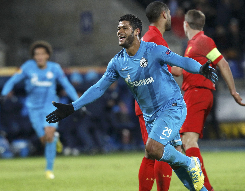 Hulk comemora golaço pelo Zenit na Liga Europa