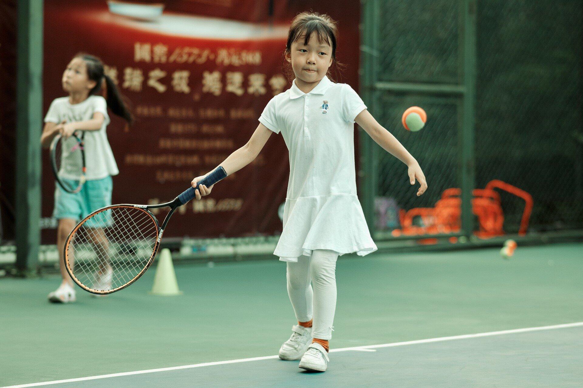 illustration sport enfant tennis
