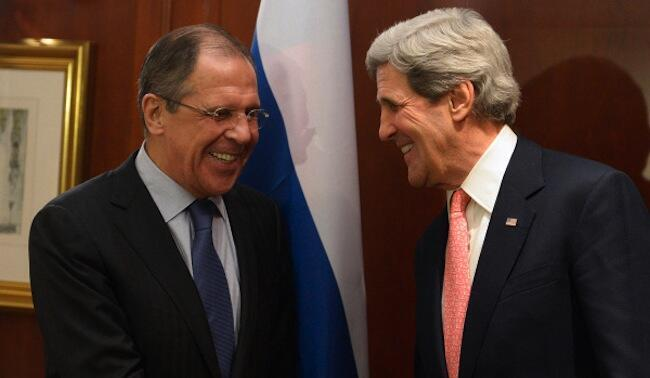 Waziri wa mambo ya kigeni wa Urusi, Sergei Lavrov(kushoto) akiwa na mwenzake wa Marekani, John Kerry(kulia) viongozi hawa wanakutana mjini Geneva hii leo