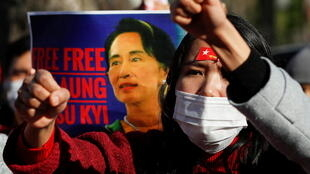 2021-02-03T083224Z_254376343_RC2WKL97QCAM_RTRMADP_3_MYANMAR-POLITICS-JAPAN-PROTEST