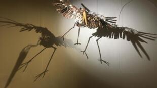 Sculpture de l'artiste mauritanien Oumar Ball exposée à la galerie le Manège à Dakar