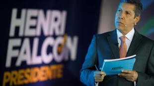 """Henri Falcón se presenta como el candidato presidencial del partido """"Avanzada Progresista""""."""