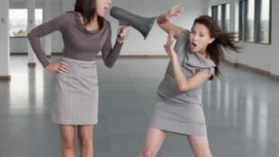 L'accord sur le harcèlement au travail s'attaque également aux faits de violences, qui peuvent aller de l'incivilité à l'agression physique.