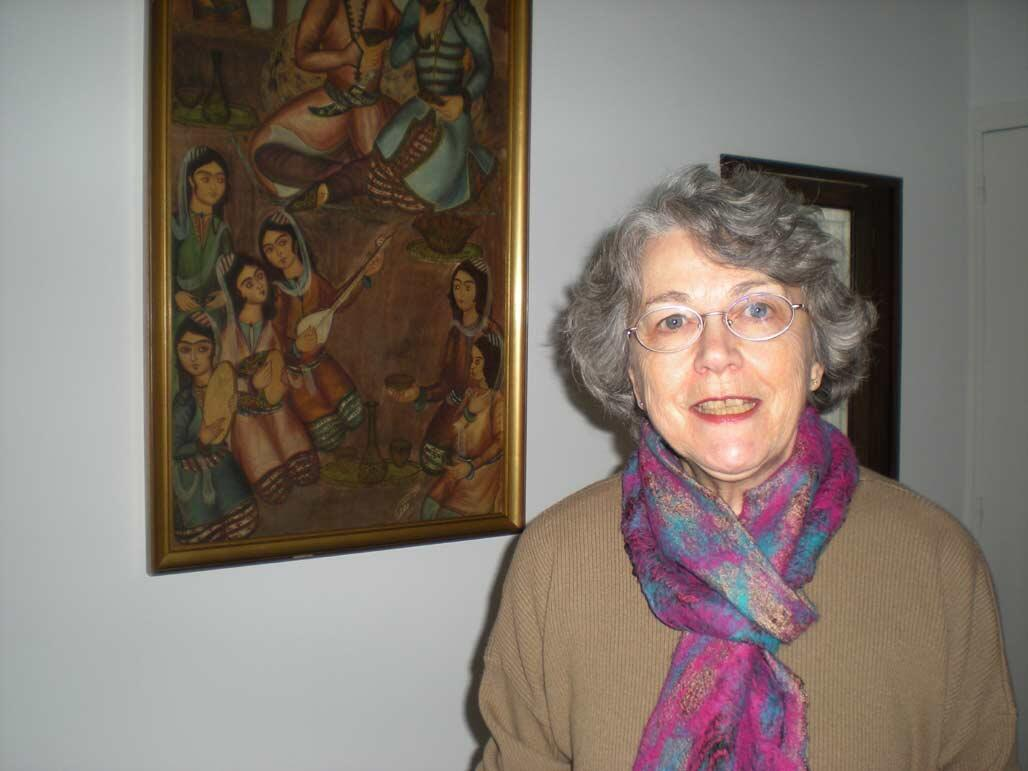 Claudine Shafa dans son appartement à Paris.