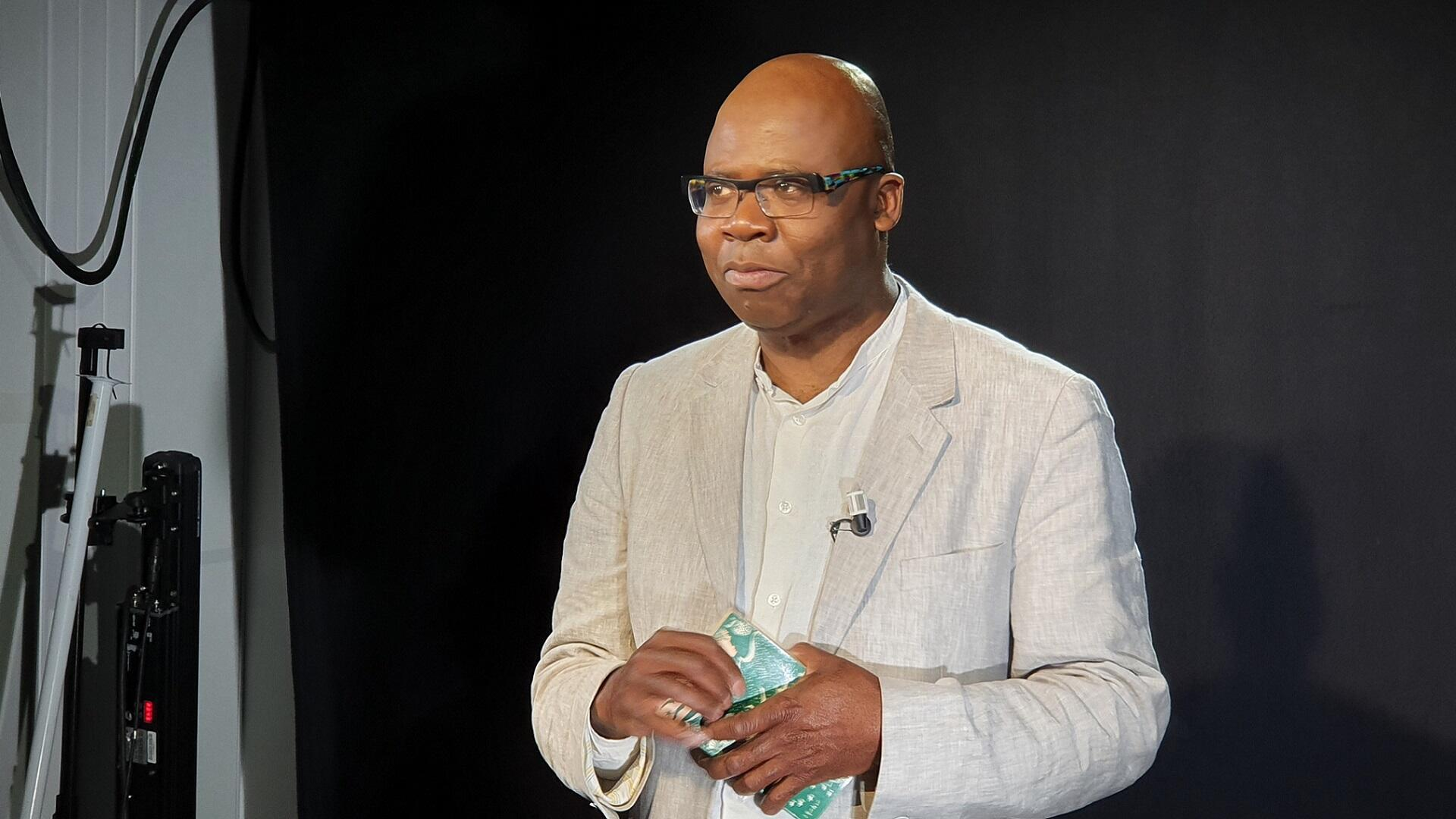 Le critique littéraire Boniface Mongo-Mboussa.