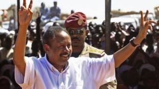 Le Premier ministre soudanais, Abdalla Hamdok, lors de son déplacement au Darfour, le 4 novembre 2019.