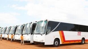 Autocarros da TCUL - Transportes Colectivos Urbanos de Luanda