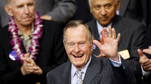 អតីតប្រធានាធិបតីលោក George H.W. Bush