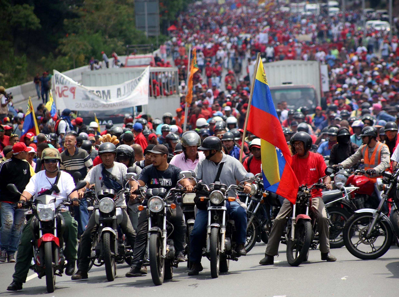 Les partisans du président Nicolas Maduro défilent à Caracas, le 1er Mai 2019.
