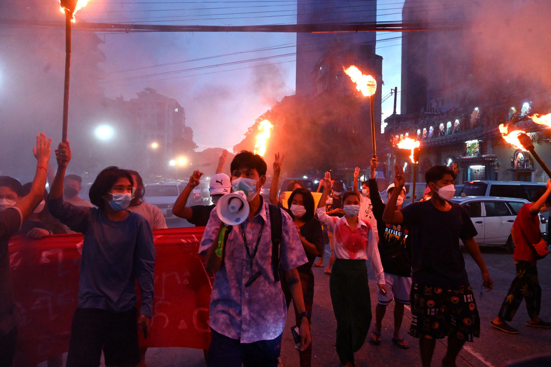 Image RFI Archive - Birmanie-manifestation-democratie