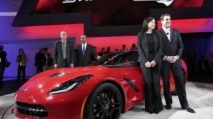 """A sétima geração do esportivo da General Motors versão 2014, que recebeu o nome de """"Stingray""""."""