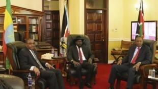 Fira Ministan Habasha Hailemariam Desalegn da Shugaban Sudan ta Kudu Salva Kiir da kuma Shugaba Uhuru Kenyatta na Kenya a wata ganawa a shekara ta 2013.