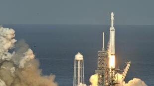 SpaceX's Falcon Heavy takes off from Cape Canaveral