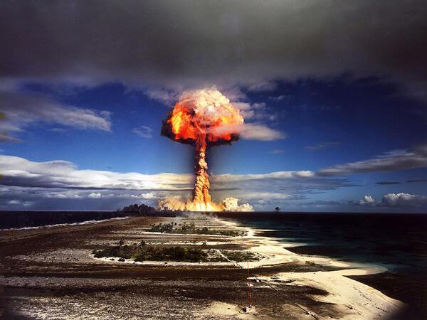 Essai nucléaire atmosphérique à Mururoa