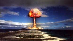 Essai nucléaire atmosphérique à Mururoa.