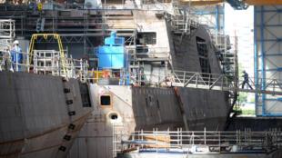 Chantier naval DCNS à Lorient.