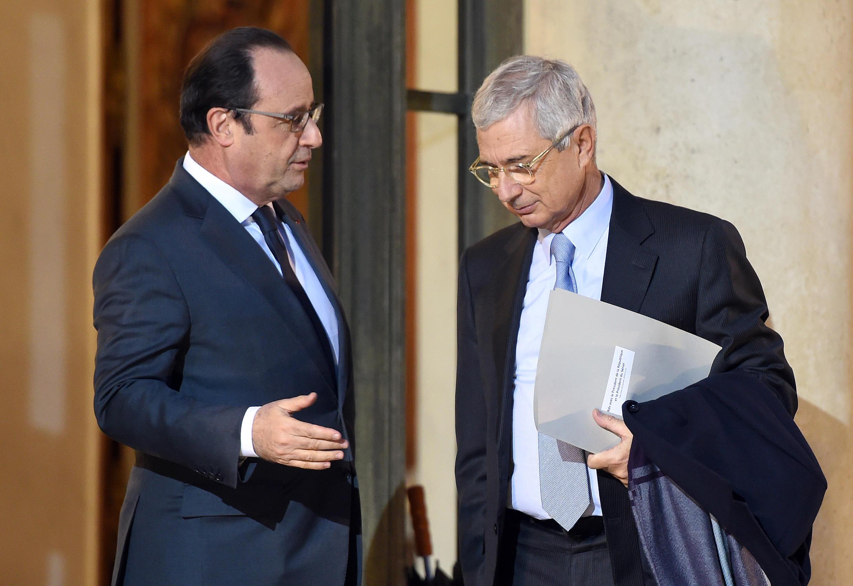 Presidente francês, François Hollande recebendo no Eliseu, o Presidente da Assembleia national Claude Bartolone, a 20 de janeiro de 2016.  STEPHANE DE SAKUTIN / AFP
