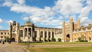 Trinity_College_-_Great_Court_02