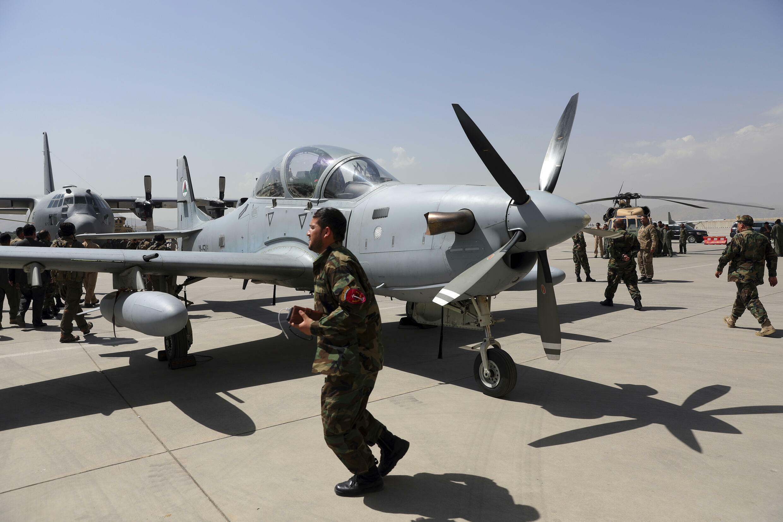 Afghanistan - aéroport - avion - Kaboul