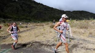 Kilian Jornet lors de la « Diagonale des Fous », sur l'île de la Réunion, le 19 octobre 2012.