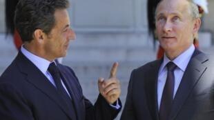 Президент Н.Саркози и премьер-министр России В.Путин в Елисейском дворце 11 июня 2010